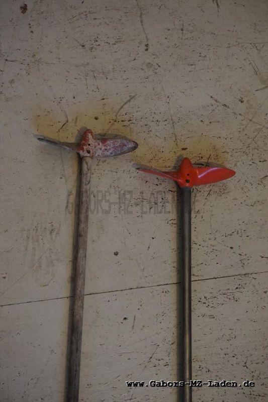 IFA Tümmler 2x Welle mit Schraube