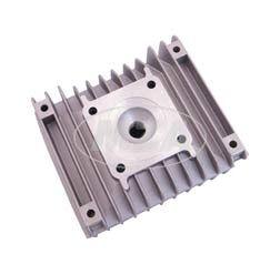 Zylinderkopf, teilbearbeitet mit Zündkerzengewinde und Löchern für Zuganker - Brennraum unbearbeitet - zur individuellen Endbearbeitung für Sonderanfertigungen